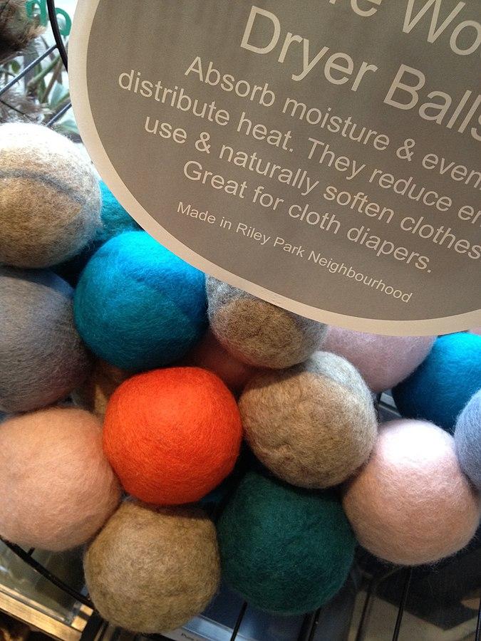 Wool dryer balls by Christine Rondeau via wikipedia