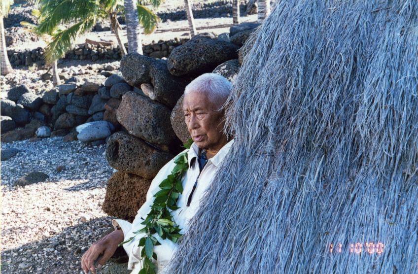 Hawaiian Healer Po'okela Papa Henry Auwae